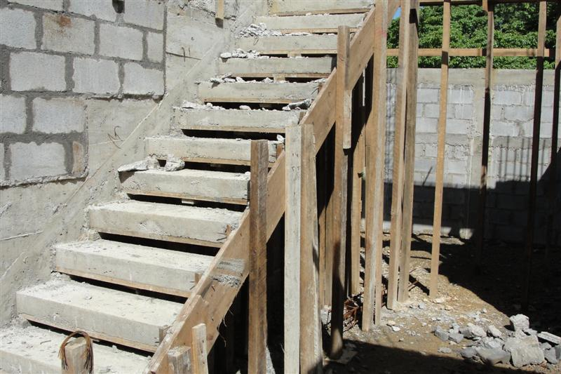 f 1 concrete stairs poured walls to 1st floor