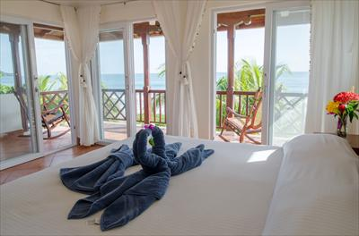 Master bedroom, private balcony with direct views of both surf breaks