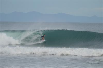 Playa Colorado:  Head High,  Clean